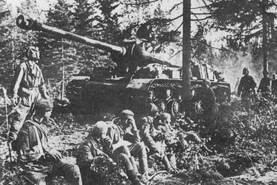 Soviet IS-2 tank during the battle of Kursk